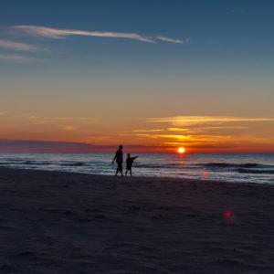 Spacer nad Bałtykiem - zachód słońca